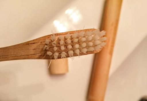 Brush Naked White Blanc with Plant-Based Bristles Head after Several Months of Use
